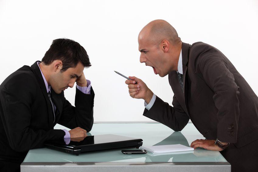 Chèn ép nhân viên - vì sao sếp lại làm vậy đối với mọi đối tượng?